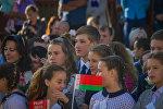 Николай Лукашенко на торжественной линейке, архивное фото