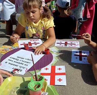 Тбилисоба в Минске: соломенный лабиринт, песни, танцы и очереди