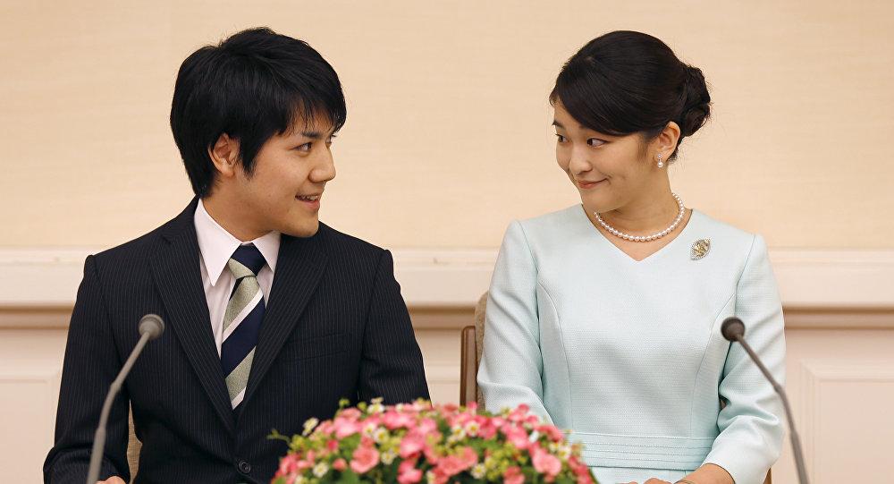 ВЯпонии официально объявило опомолвке принцессы Мако