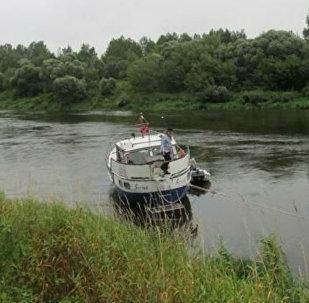 Нарвежская яхта села на мель на Дняпры