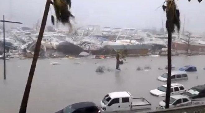 Ураган Ирма обрушился на французскую территорию острова Сен-Мартен