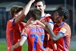 Игроки ПФК ЦСКА радуются забитому голу в матче 9-го тура чемпионата России по футболу