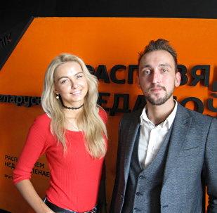 Модель Ольга Хижинкова и главный режиссер Национальной школы красоты Евгений Клемято