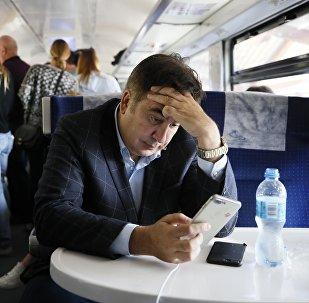 Экс-президент Грузии и бывший губернатор Одессы Михаил Саакашвили на железнодорожной станции в Перемышле