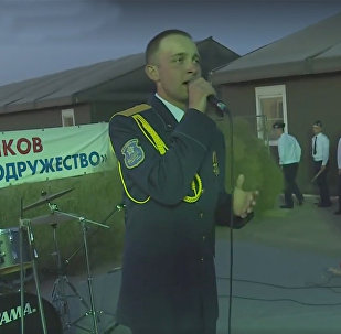 Армянская песня ў выкананні беларускага афіцэра на вучэннях АДКБ