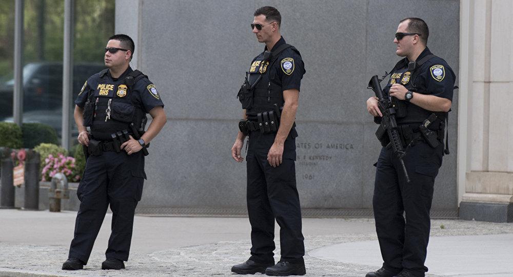 Американские полицейские, архивное фото