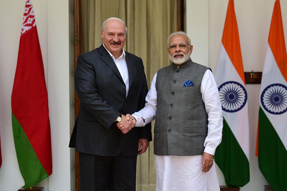 Президент Беларуси Александр Лукашенко и премьер-министр Индии Нарендра Моди