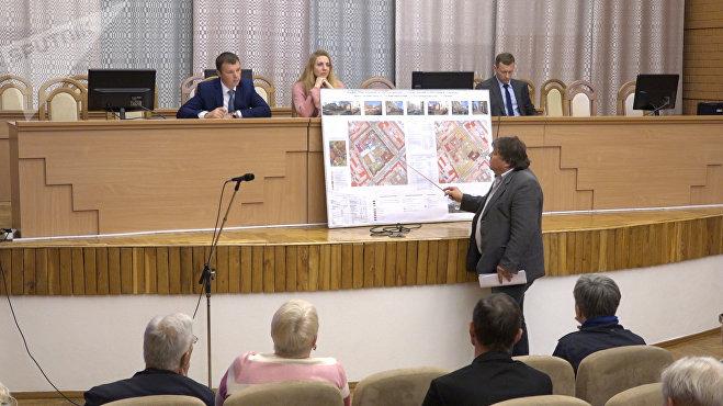 Главный архитектор проекта УП Минскградо Вячеслав Евсеев представил проект застройки территорий