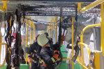 Пожарные в салоне электробуса