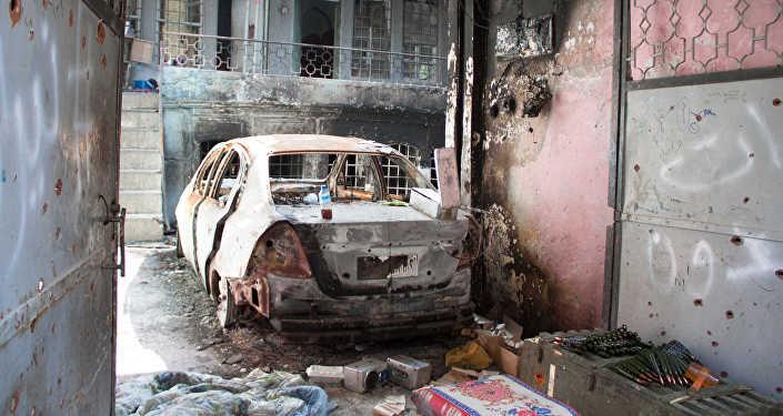 Сгоревший автомобиль в Ираке, архивное фото