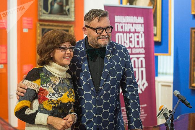 Ядвига Поплавская подарила свой концертный костюм Александру Васильеву