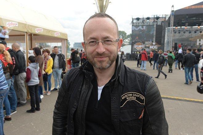 Владелец Harley-Davidson Леонид Федосеев из Москвы все бросил и приехал в Минск