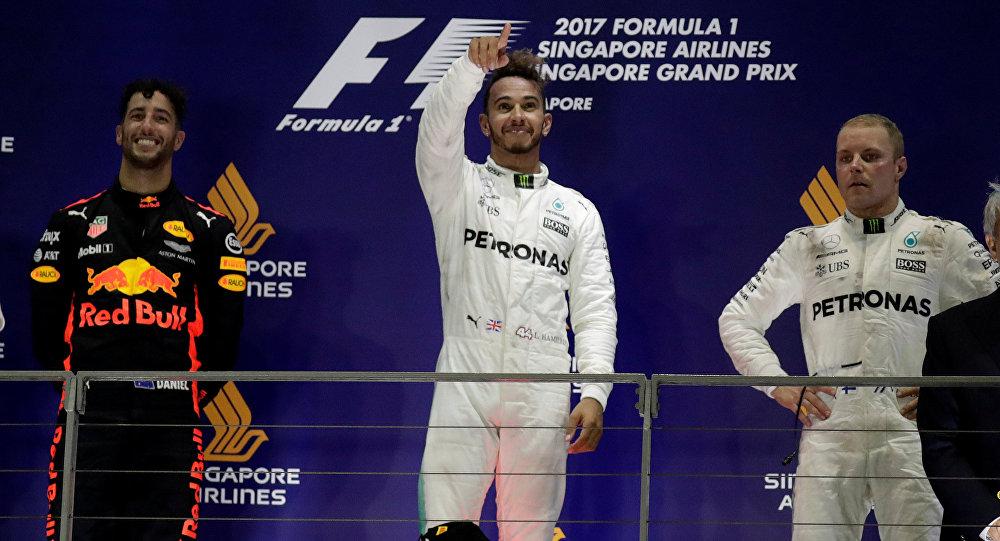 Тройка призеров на Гран-при Сингапура-2017