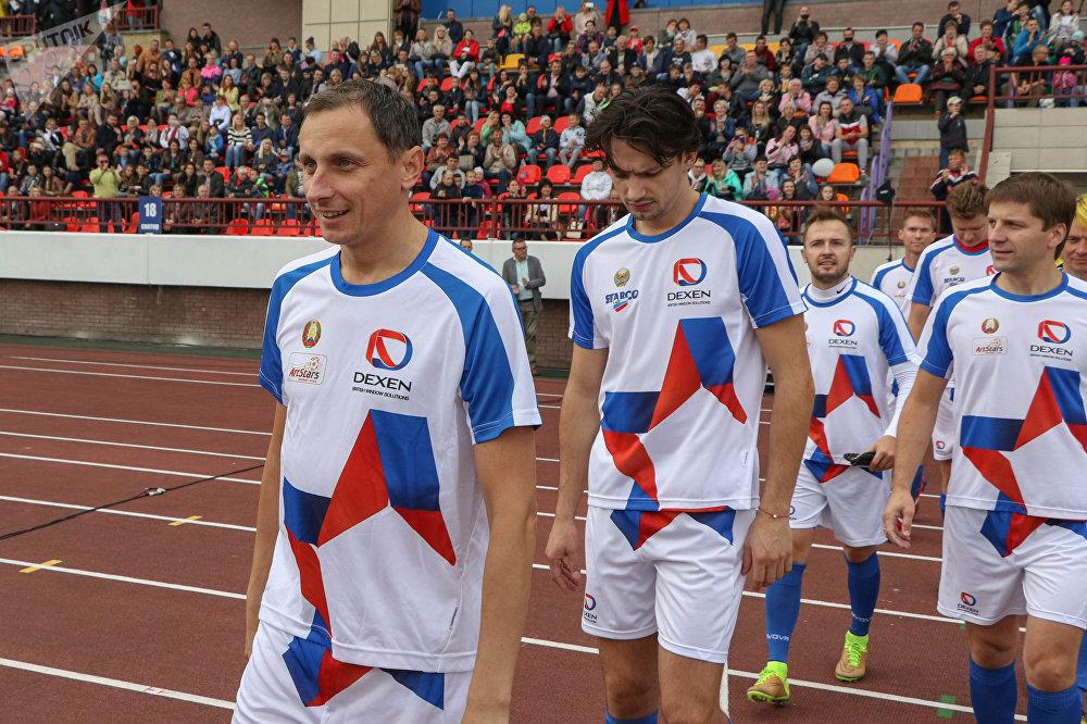 Юморист Вадим Галыгин был как всегда бодр, весел и настроен на решительную победу.