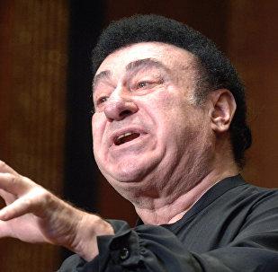 Оперный певец Зураб Соткилава выступил с концертом, посвященным памяти погибших в грузино-югоосетинском конфликте
