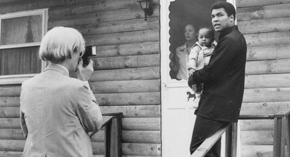 Возобновлен выпуск легендарной камеры Polaroid 1977 года