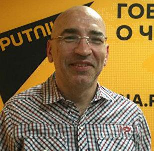 Политолог Леонид Крутаков