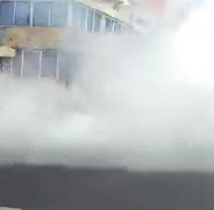 Видео обрушения здания при землетрясении в Мехико