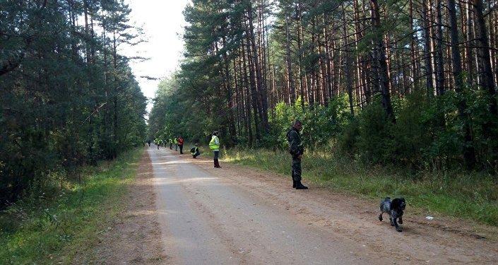 Вертолеты МЧС прибыли на поиски пропавшего в Беловежье мальчика