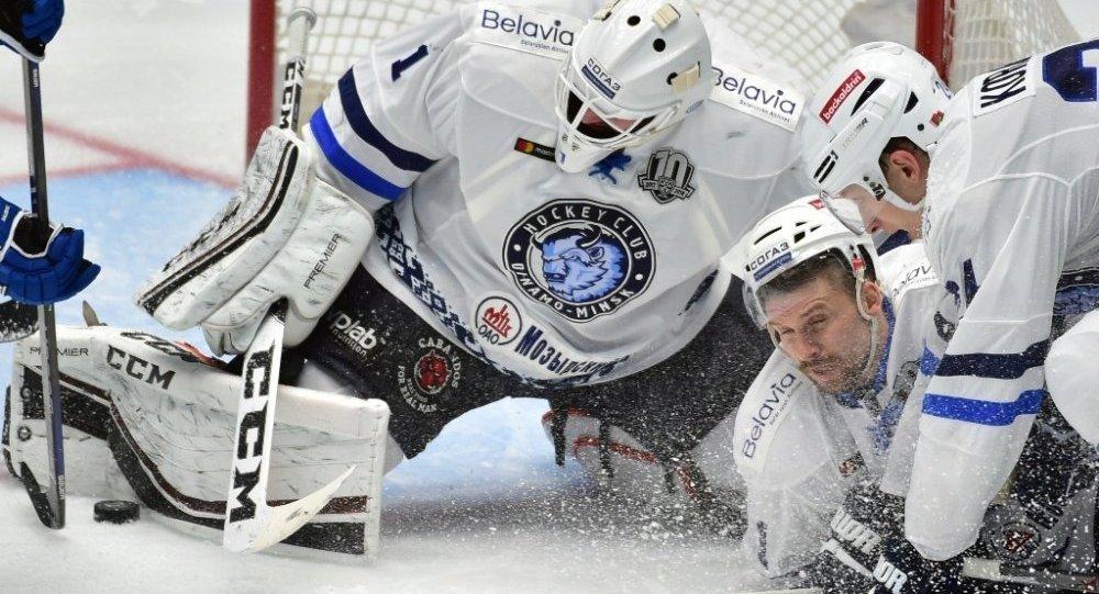 Хоккеисты минского «Динамо» уступили вгостях «Барысу» срезультатом 1:4