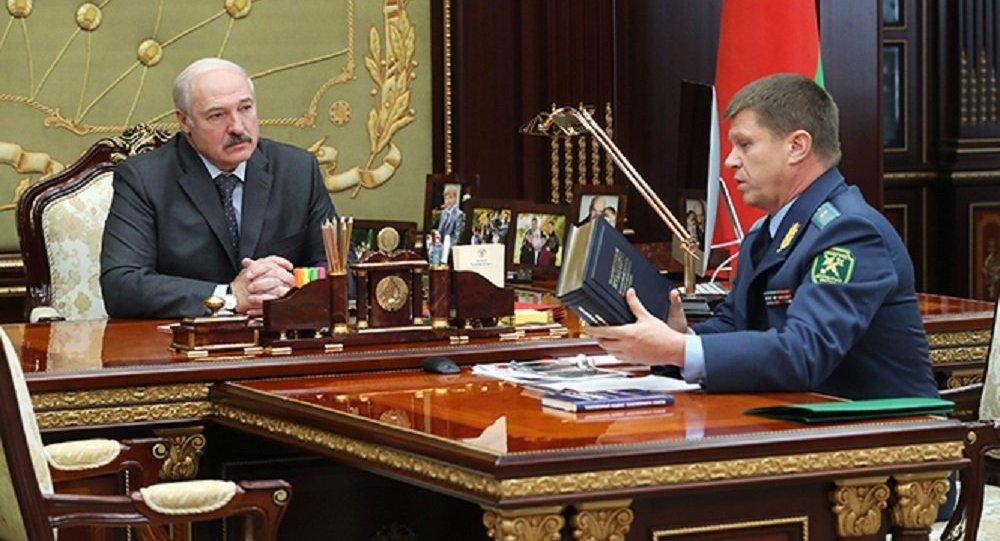 Лукашенко сообщил, что оработе таможни ему «докладывают нереальные цифры»