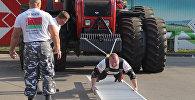 Видеофакт: белорус сдвинул с места 19-тонный трактор