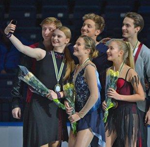 Юных призеров Гран-при по фигурному катанию наградили в Минске
