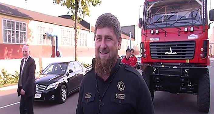 Кадыраў пракаціўся на аўтобусе МАЗ і спартыўным грузавіку