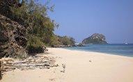 Побережье острова Фиджи, архивное фото