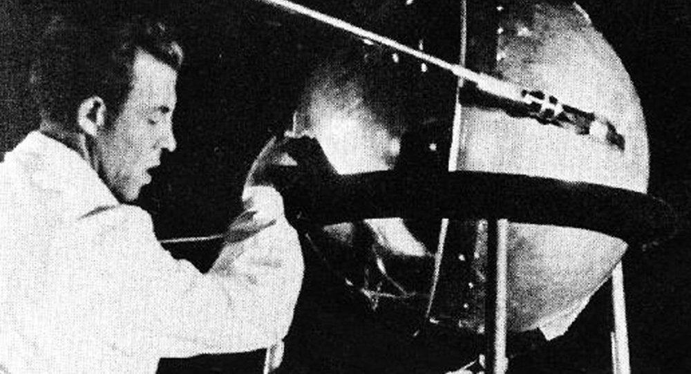 Аноним купил модель советского спутника за847,5 тысячи долларов