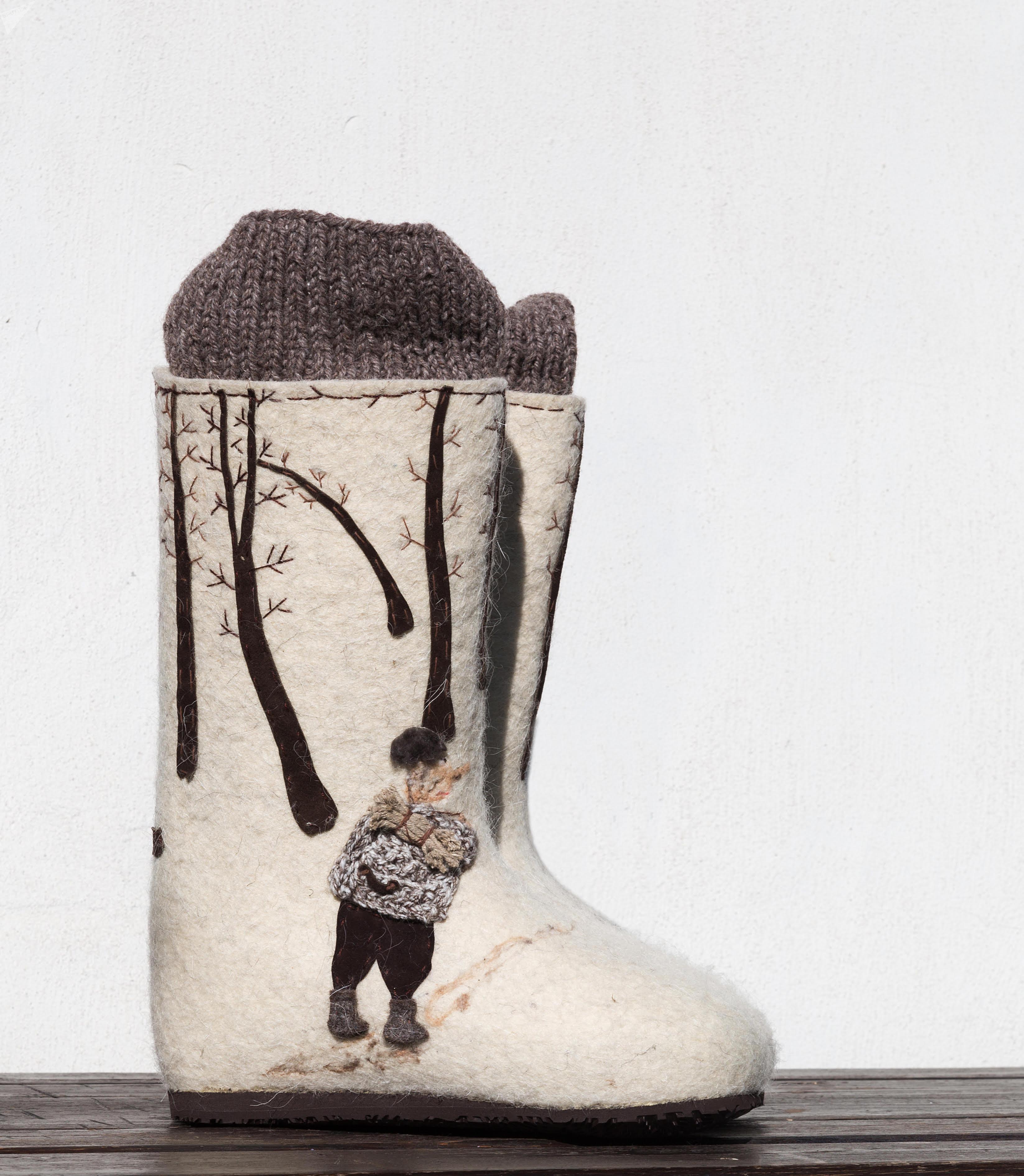 Валенки по мотивам картины белорусского художника Валентина Губарева