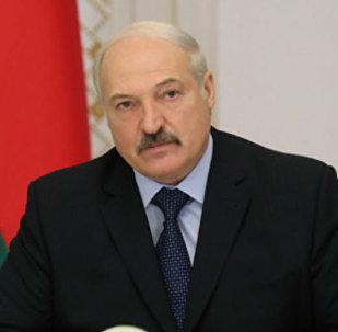Александр Лукашенко на совещании, архивное фото