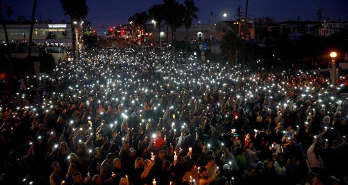 Акция в память о жертвах массового расстрела на концерте в Лас-Вегасе