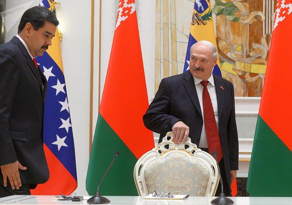 Президент Беларуси Александр Лукашенко на встрече президента Венесуэлы Николаса Мадуро