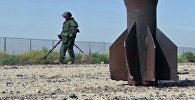 Специалист Международного противоминного центра Вооруженных Сил РФ во время разминирования Дейр-эз-Зора, архивное фото