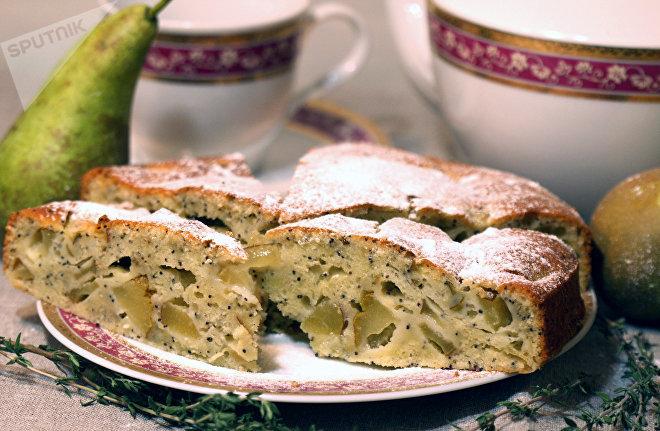 Осенний пирог с грушами и маком