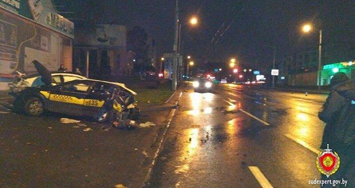 Авария с участием BMW и такси в Минске