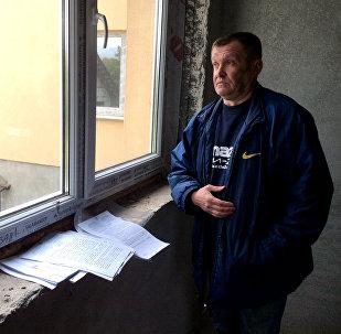 Виталий Соловьянчик прописан по несуществующему адресу, а вписаться в свой новый дом у него не получается