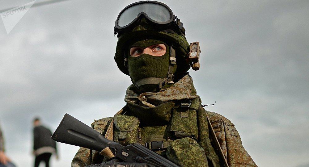 Военнослужащий в экипировке Ратник, архивное фото