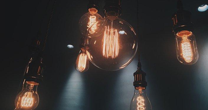 Лампочки, архивное фото