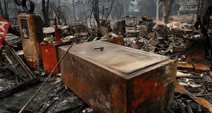 Последствия пожаров в Калифорнии