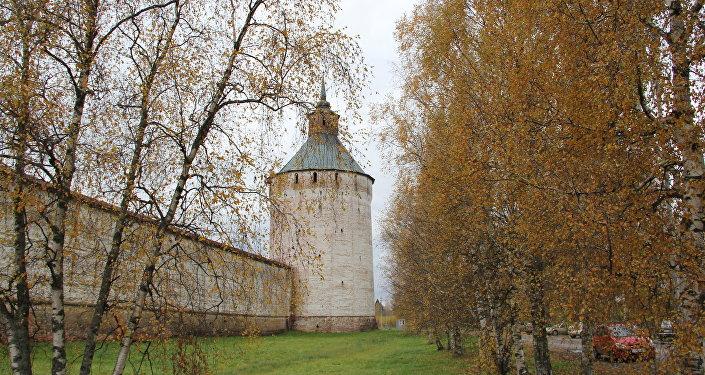 Стена Кирилло-Белозерского монастыря