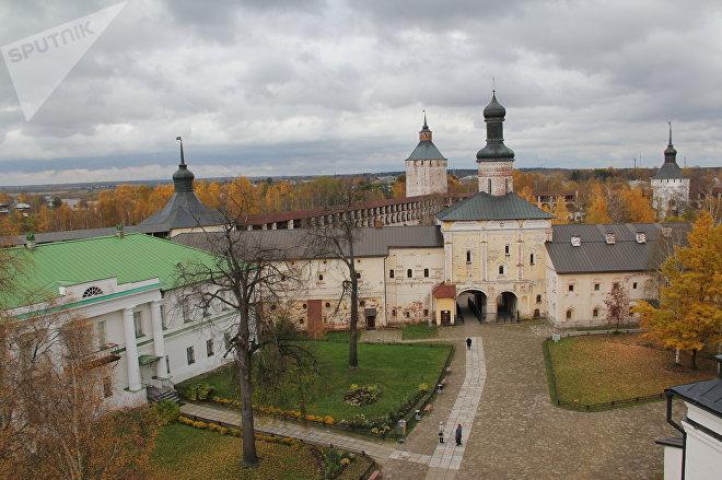 Кирилло-Белозерский монастырь - самый крупный православный монастырский комплекс в Европе