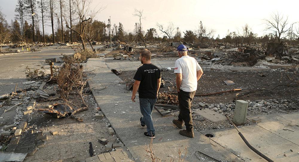 Число погибших пожаров вКалифорнии превысило 30 человек
