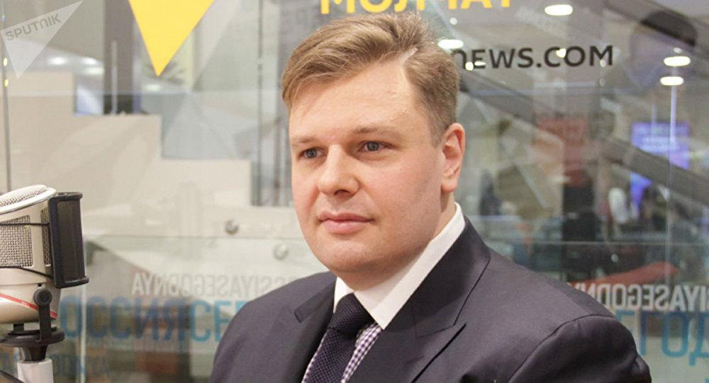 Политолог, американист, кандидат политических наук, профессор Академии Военных Наук РФ Сергей Судаков