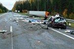 Honda столкнулась с фурой на трассе Минск - Витебск 14.10.2017