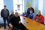Хорватские ветераны смотрят телетрансляцию приговора Международного суда о геноциде во время балканских войн