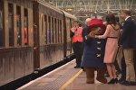 Кейт Миддлтон станцевала с медвежонком Паддингтоном на лондонском вокзале, видео