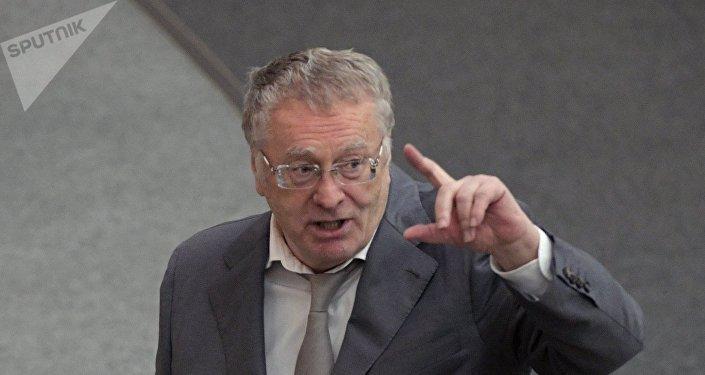 """Семин: в виде президентской программы Собчак предложит """"Дом 2"""""""