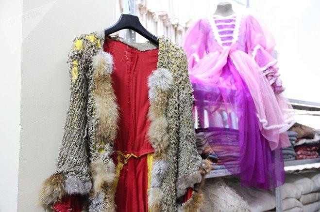 Все те, чье детство прошло в Советском Союзе, легко узнают костюм лисы Алисы